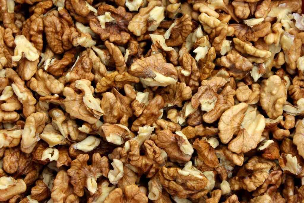 nuts-3879142